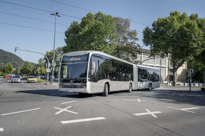 Elektrobus-Mercedes-eCitaro-Gelenkbus