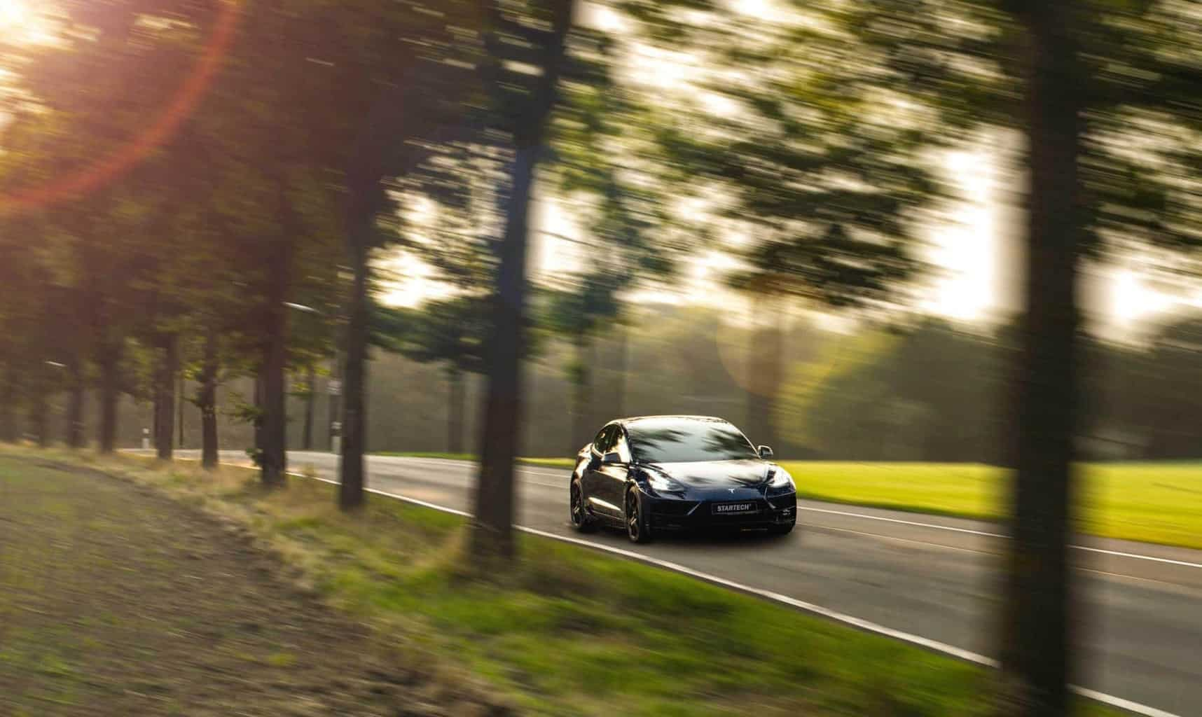 STARTECH veredelt Tesla Model 3 in Handarbeit zum Unikat