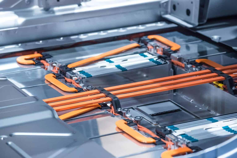 """Daimler will """"hoch wettbewerbsfähige Batterien"""" herstellen"""