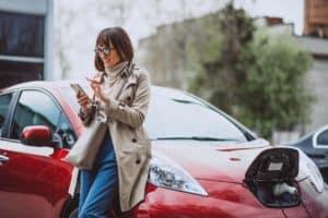 Laden Unterwegs: Mit mobilen Wallboxen sind E-Fahrer immer unter Strom