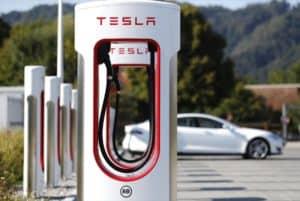 Tesla wartet auch bei Ausbau des Supercharger-Netzes mit deutlichem Wachstum auf
