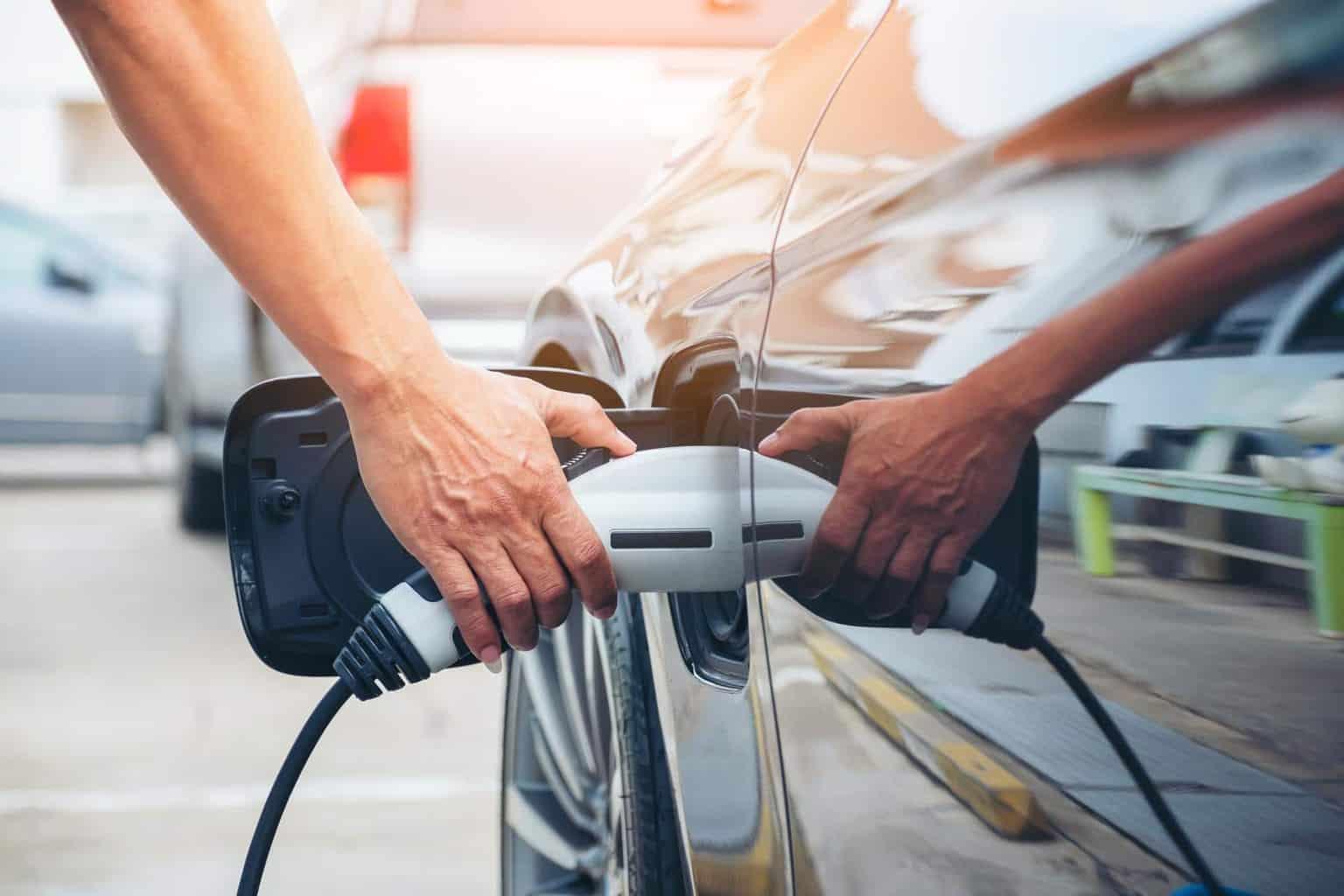 """BUND: Empfehlungen der NPM für Plug-in-Hybride """"reichen nicht aus"""""""