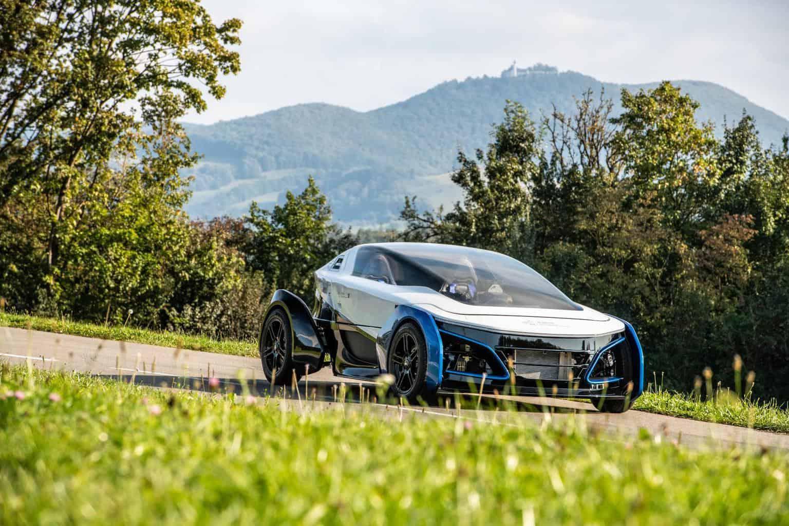 Futuristischer Brennstoffzellen-Zweisitzer SLRV mit 400 km Reichweite gesichtet