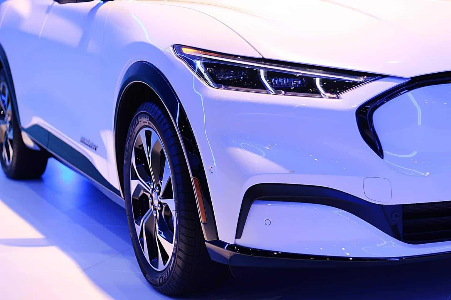 Ford zieht mit wachsendem E-Auto-Absatz eigene Zell-Produktion in Betracht