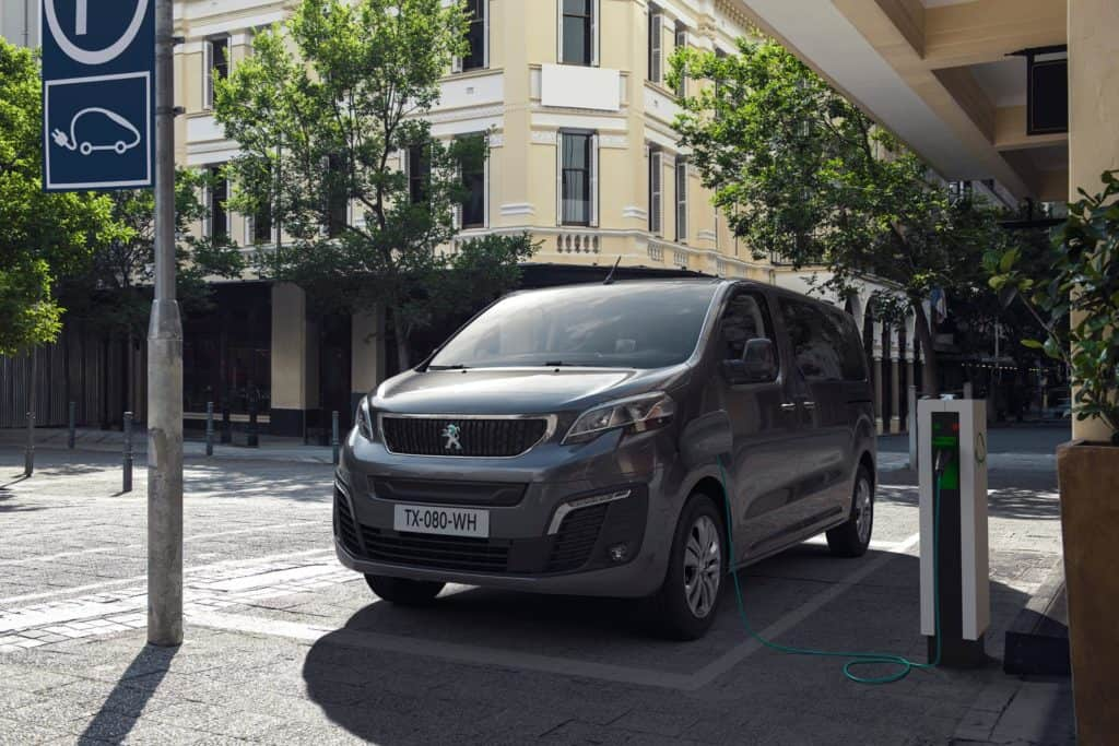 Peugeot e-Traveller L3 50 kWh
