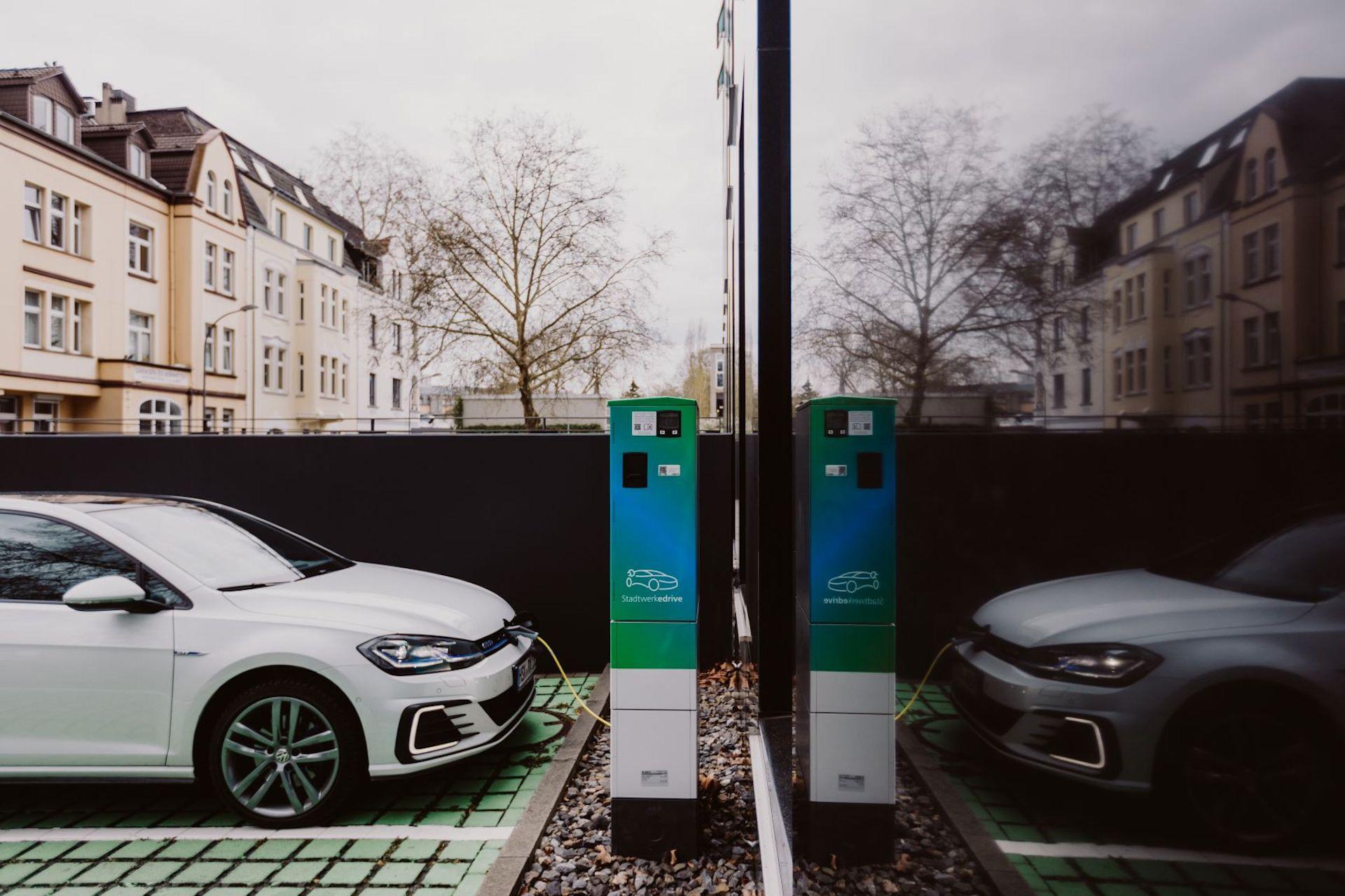 IKT-SAM-Eichrechtskonform-Laden-Elektroauto-Compleo