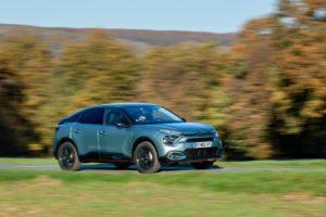 Bonjour Batterie: Citroën ë-C4 vereint E-Antrieb mit SUV-Look und Komfort