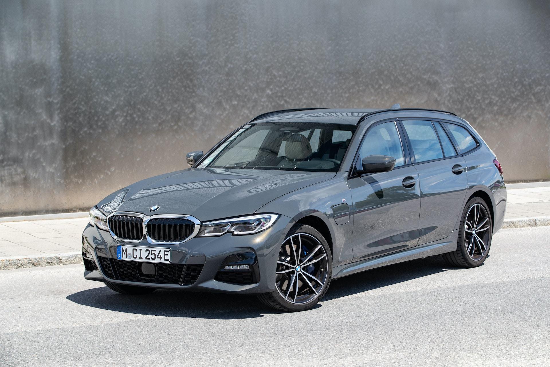 BMW-3er-5er-Plug-in-Hybrid-Touring