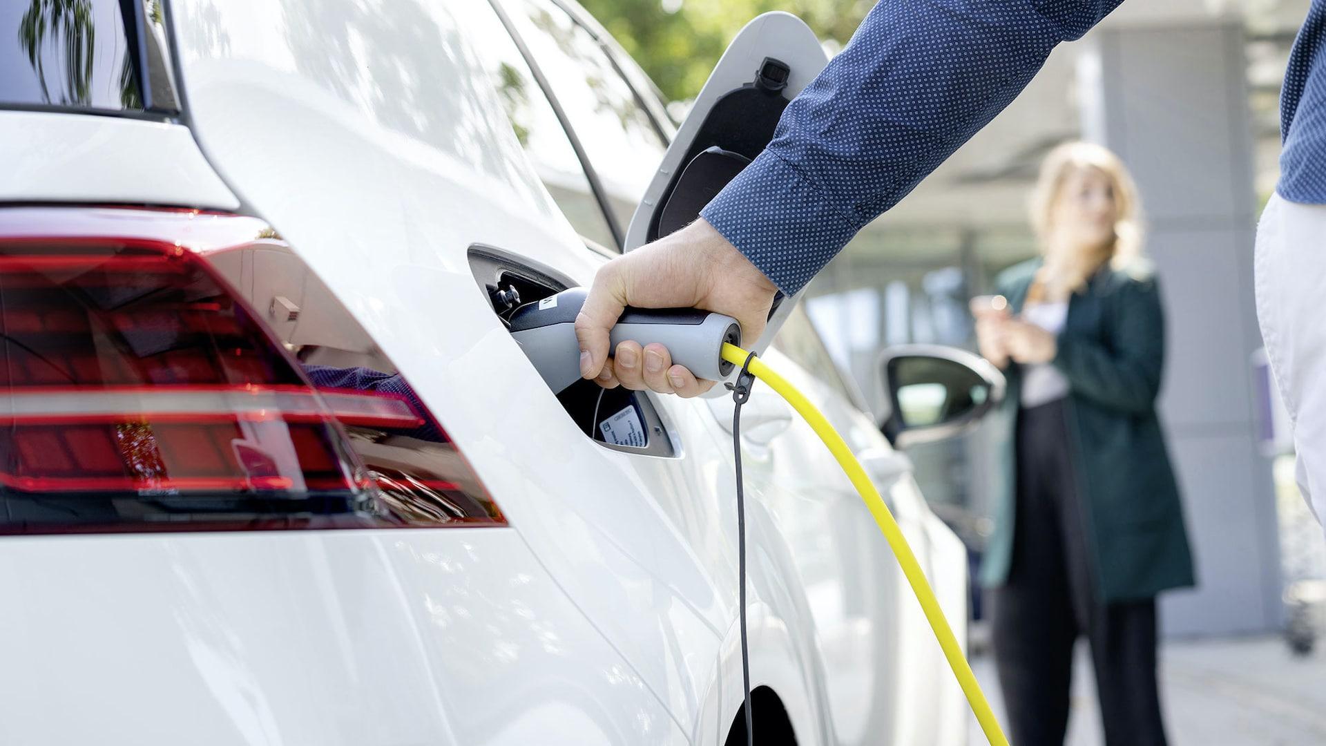 Elektroauto-Ladestation-Energiewende-CO2