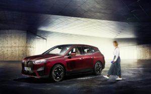 BMW geht auf Tesla-Jagd; will E-Auto-Absatz in 2021 verdoppeln