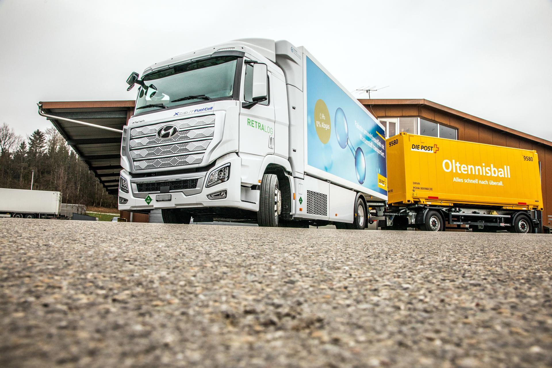 Wasserstoff-LKW fährt für die Post über Schweizer Strassen