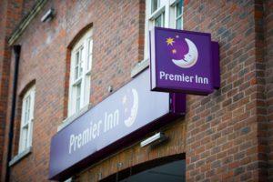 Schnell-Ladesäulen für britische Hotels