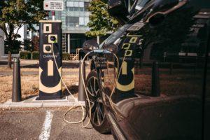 Weltweiter Absatz von Elektro-Fahrzeugen erreichte 2020 mehr als 3,2 Millionen