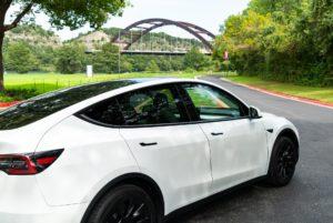 Tesla führt das Model Y Standard-RWD und 7-Sitz-Option als dritte Reihe ein