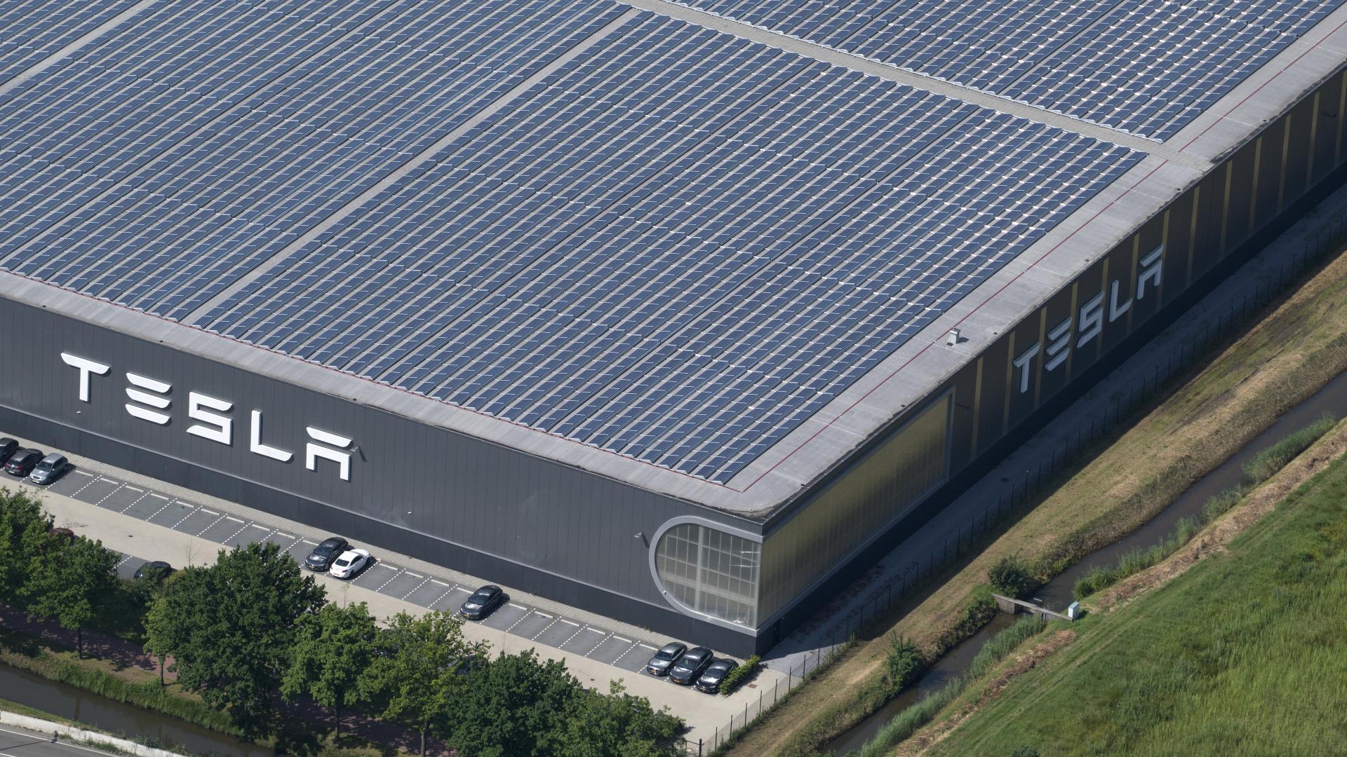 """Tesla darf Batterie-Werk in Grünheide """"vorbereiten"""""""
