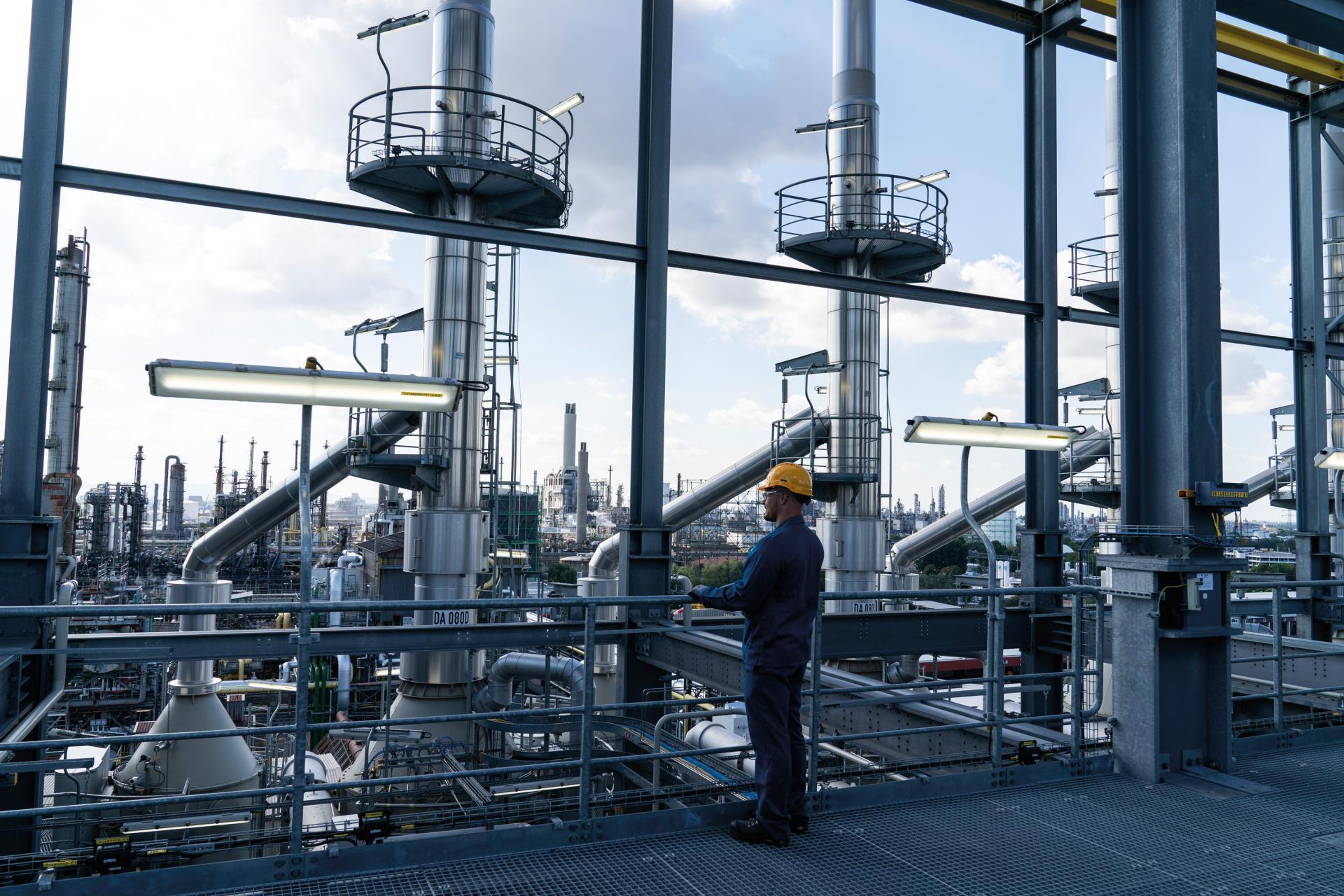 BASF Schwarzheide soll Kathodenmaterialien für 400.000 E-Autos fertigen