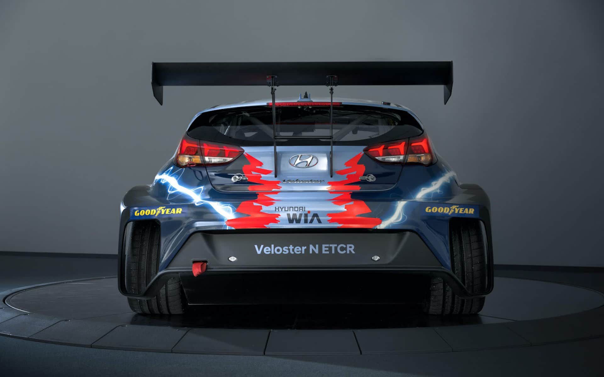 Hyundai-Motorsport-Elektroauto-Veloster-N-ETCR-Heck