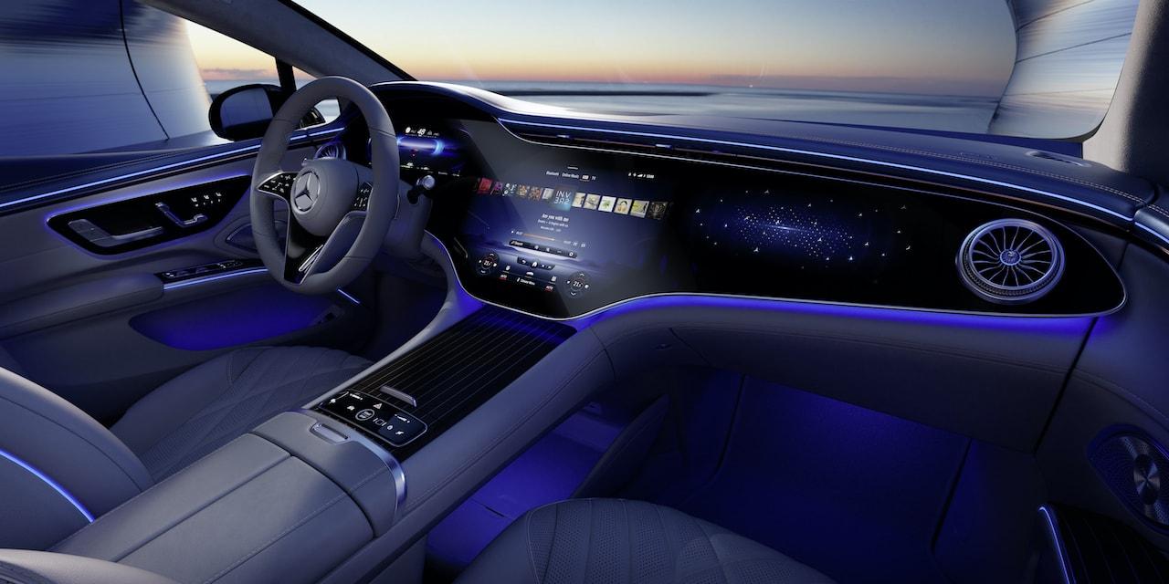 Mercedes-Elektroauto-EQS-Cockpit-Dämmerung