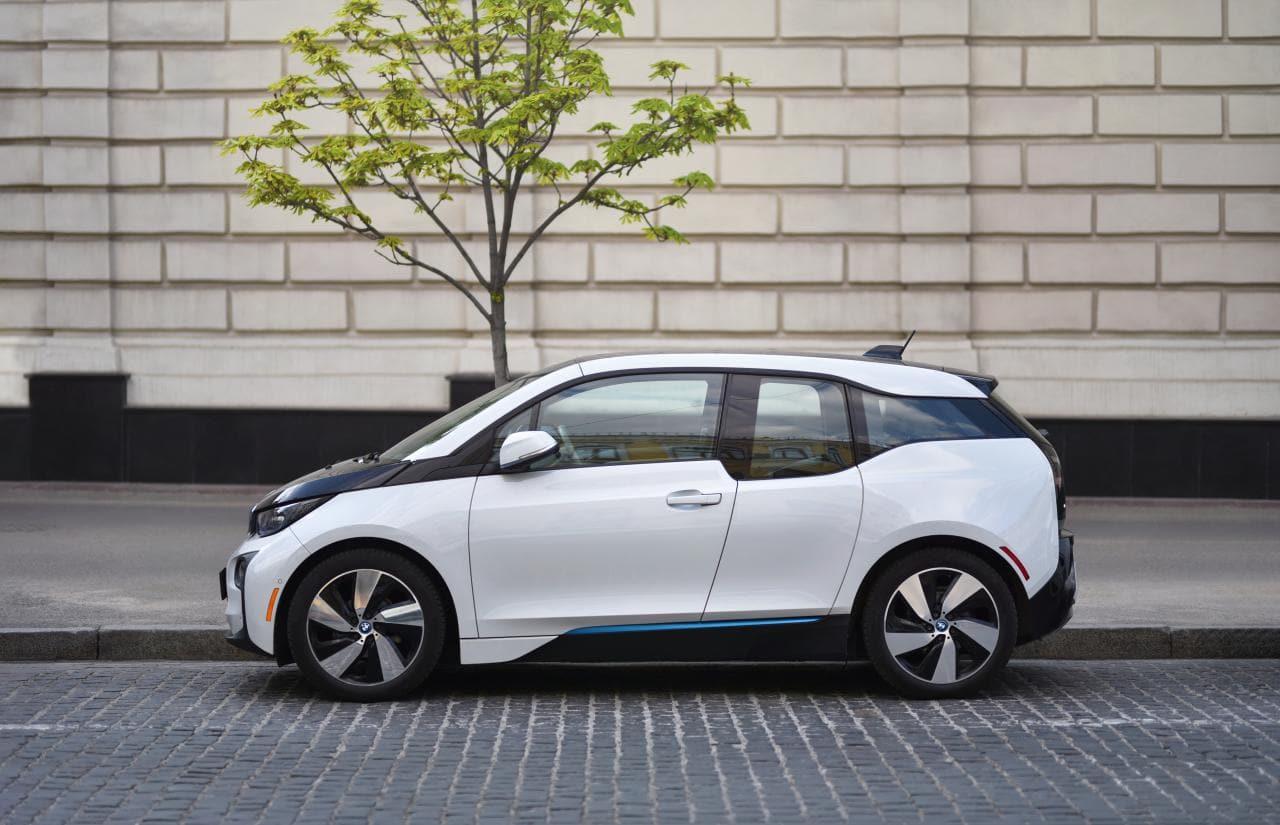 """Apple E-Auto sei keine Bedrohung: """"Ich schlafe sehr ruhig"""", so BMW-CFO"""
