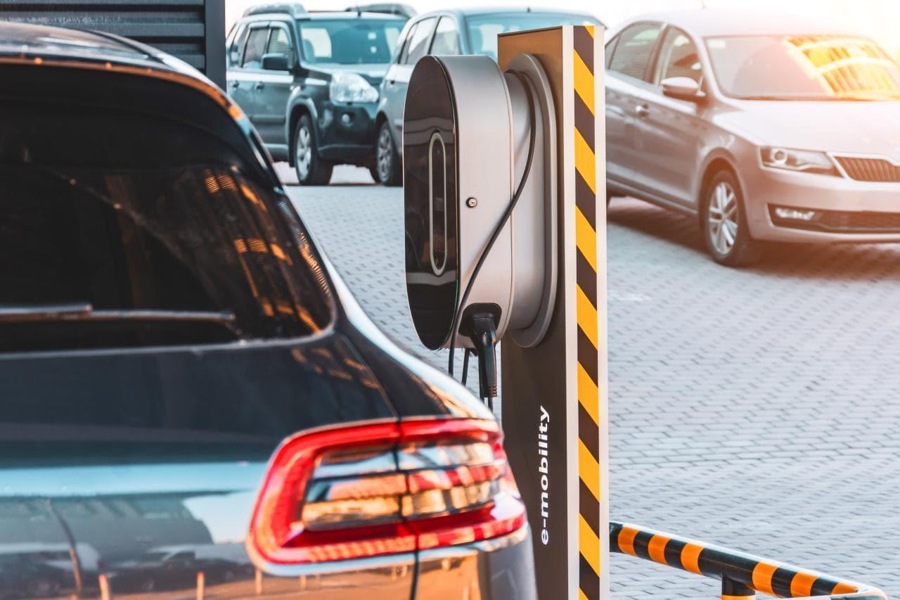 BEM schlägt neue Förderregeln für Plug-in-Hybride vor