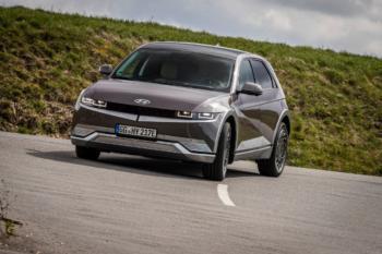 Hyundai IONIQ 5 fahren ab 32.330 Euro; nach Abzug Umweltbonus