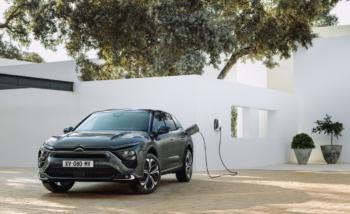 Citroën strebt mit C5 X PHEV in die Oberklasse