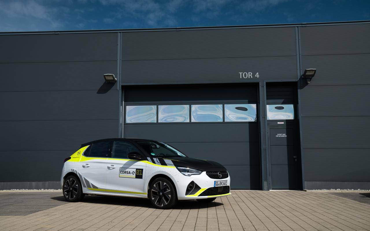 Rallye-Optik auch für normalen Opel Corsa-e