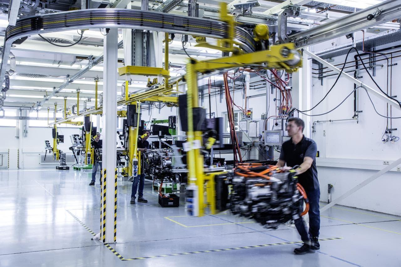 Daimler und Volvo kooperieren bei Wasserstoff-Trucks