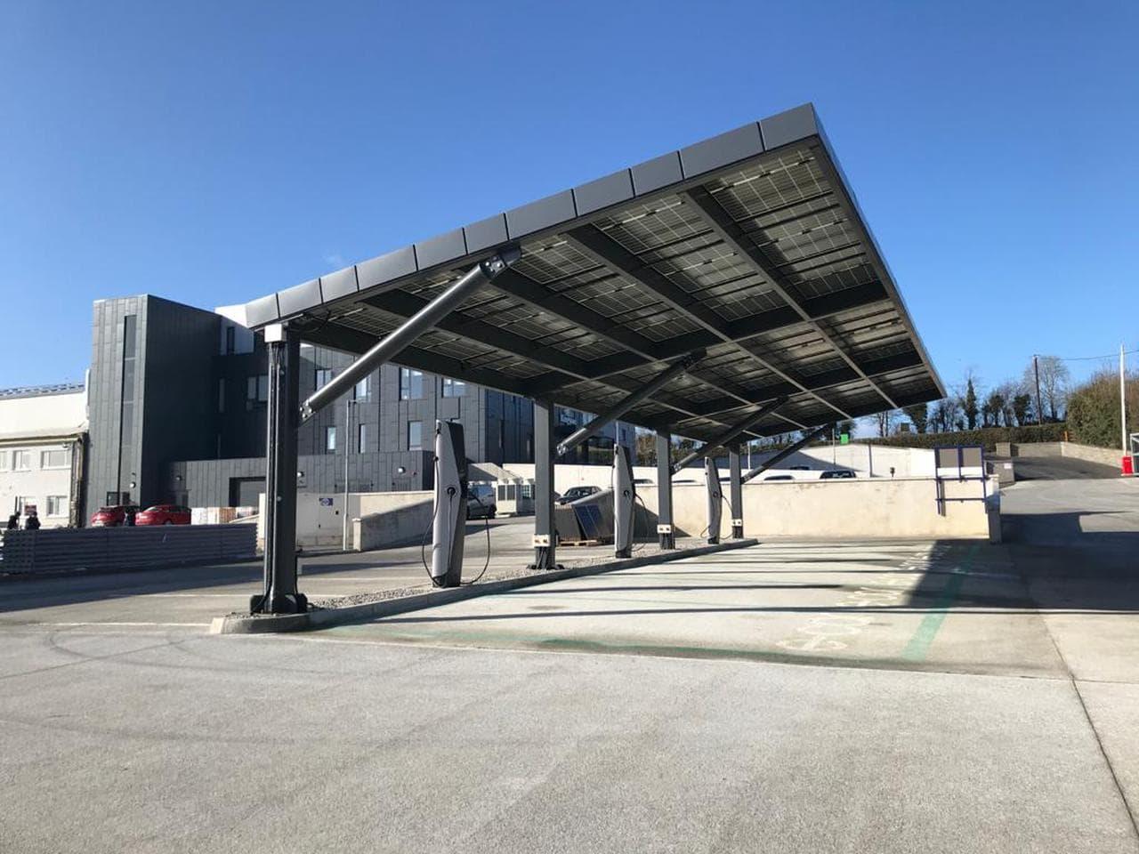 Baustoff-Gigant plant Ladenetz für eigene E-Auto-Flotte