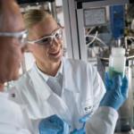 BASF und Umicore starten Wissensaustausch für bessere Batterietechnologien