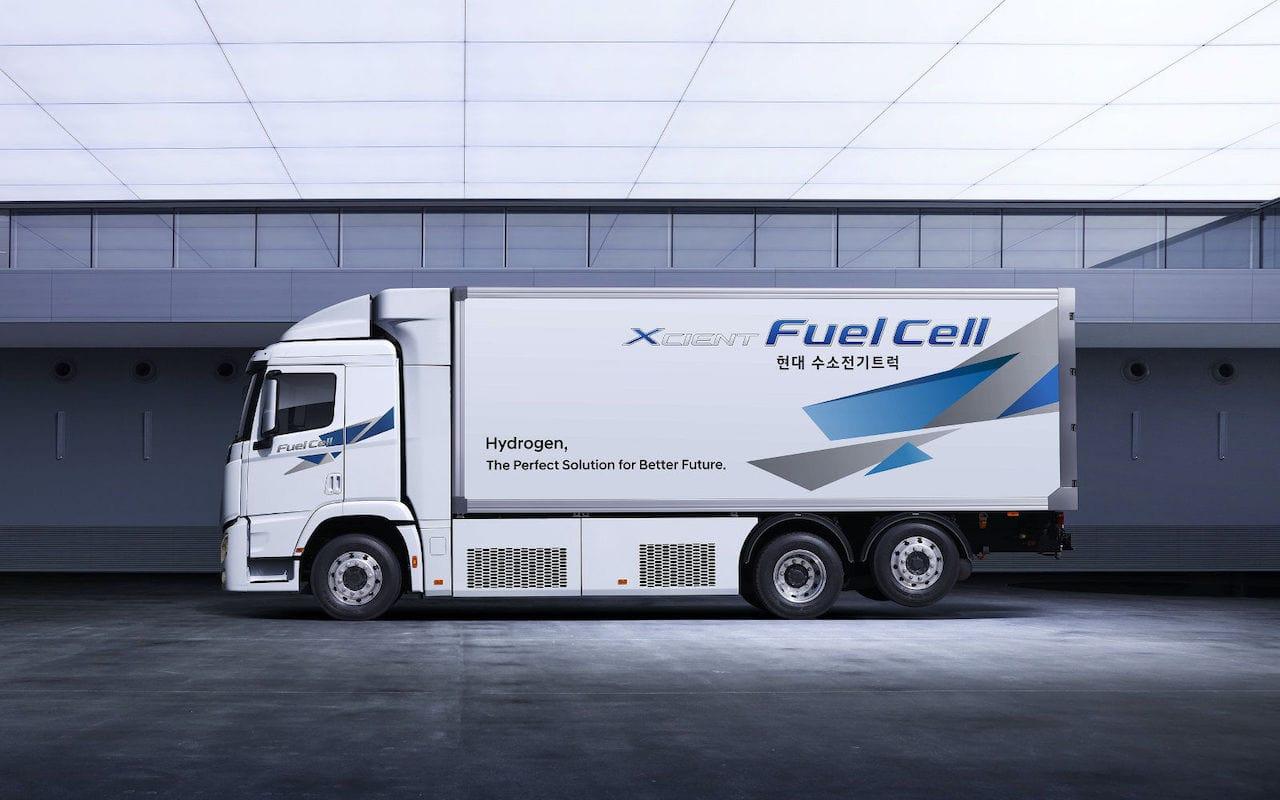 Hyundai-Wasserstoff-LKW-XCIENT-Seite