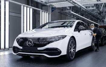 Mercedes-Benz startet Produktion des EQS in der Factory 56
