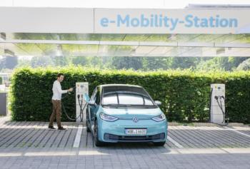 Verbrennerende, günstige E-Autos und V2G: Wie VW seine Elektroauto-Strategie beschleunigt