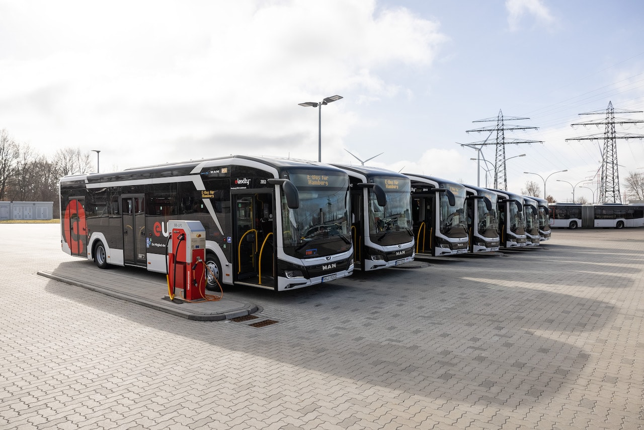 Hamburg-VHH-MAN-Elektrobus-Laden