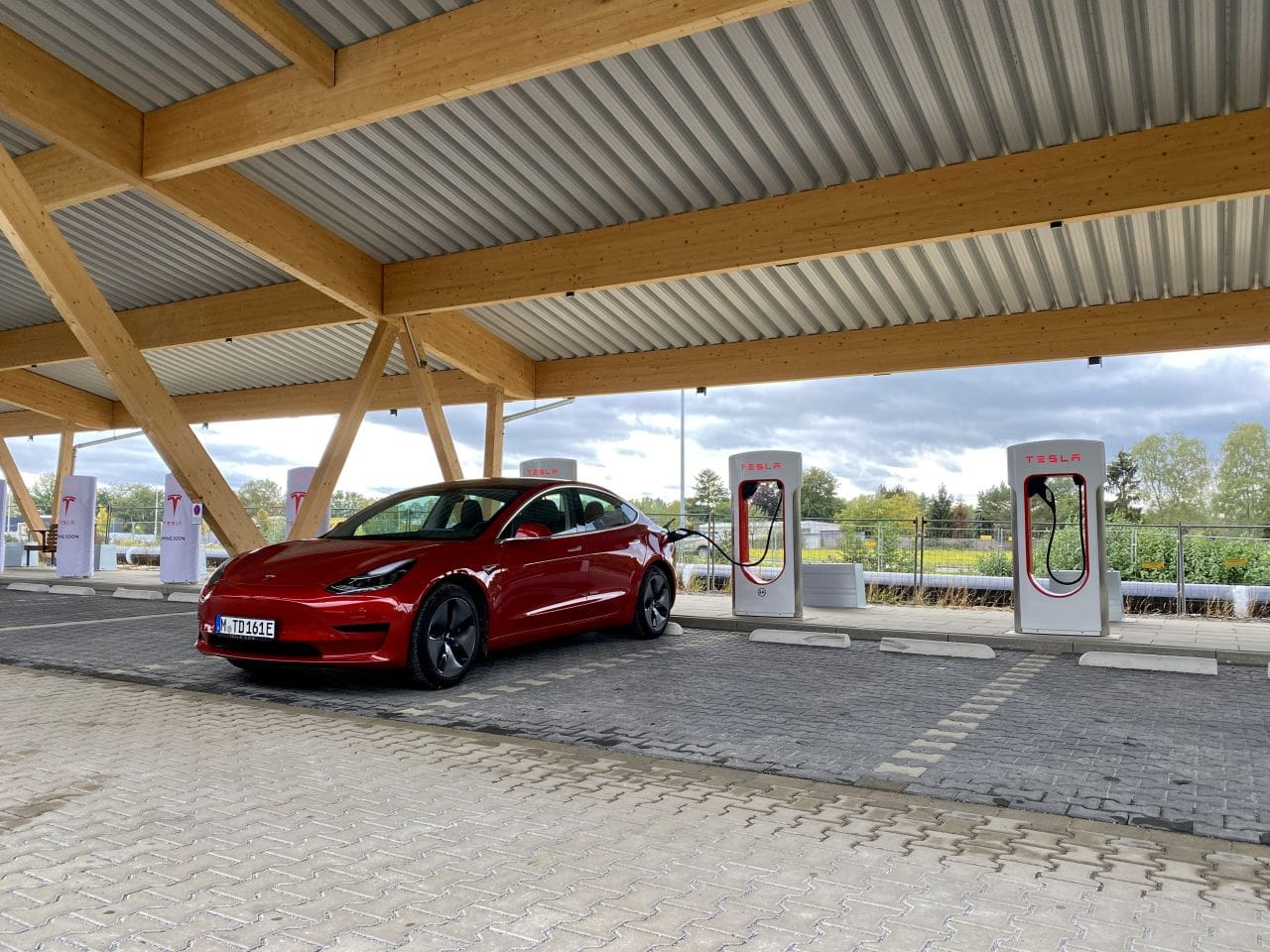 Tesla nimmt 1000. deutschen Supercharger in Betrieb