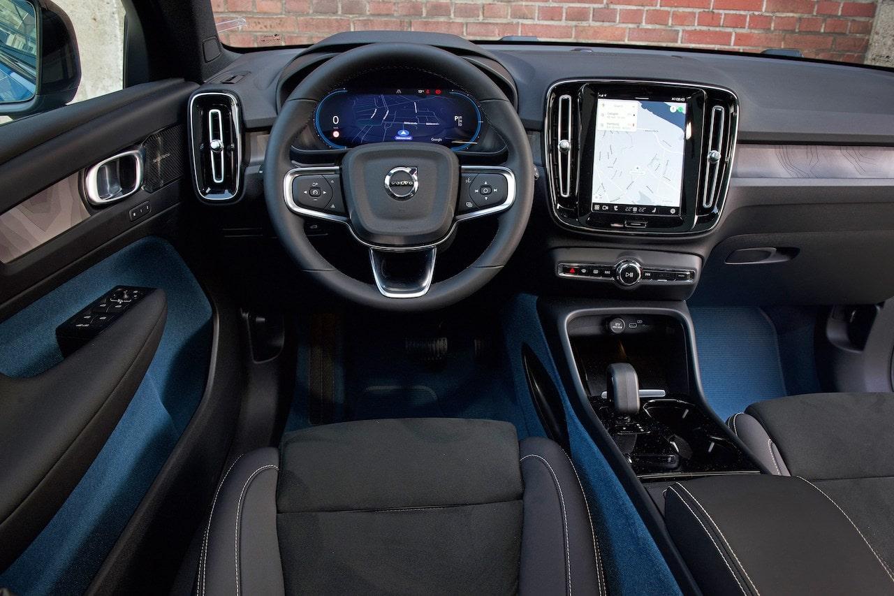 Volvo C40 Recharge Cockpit