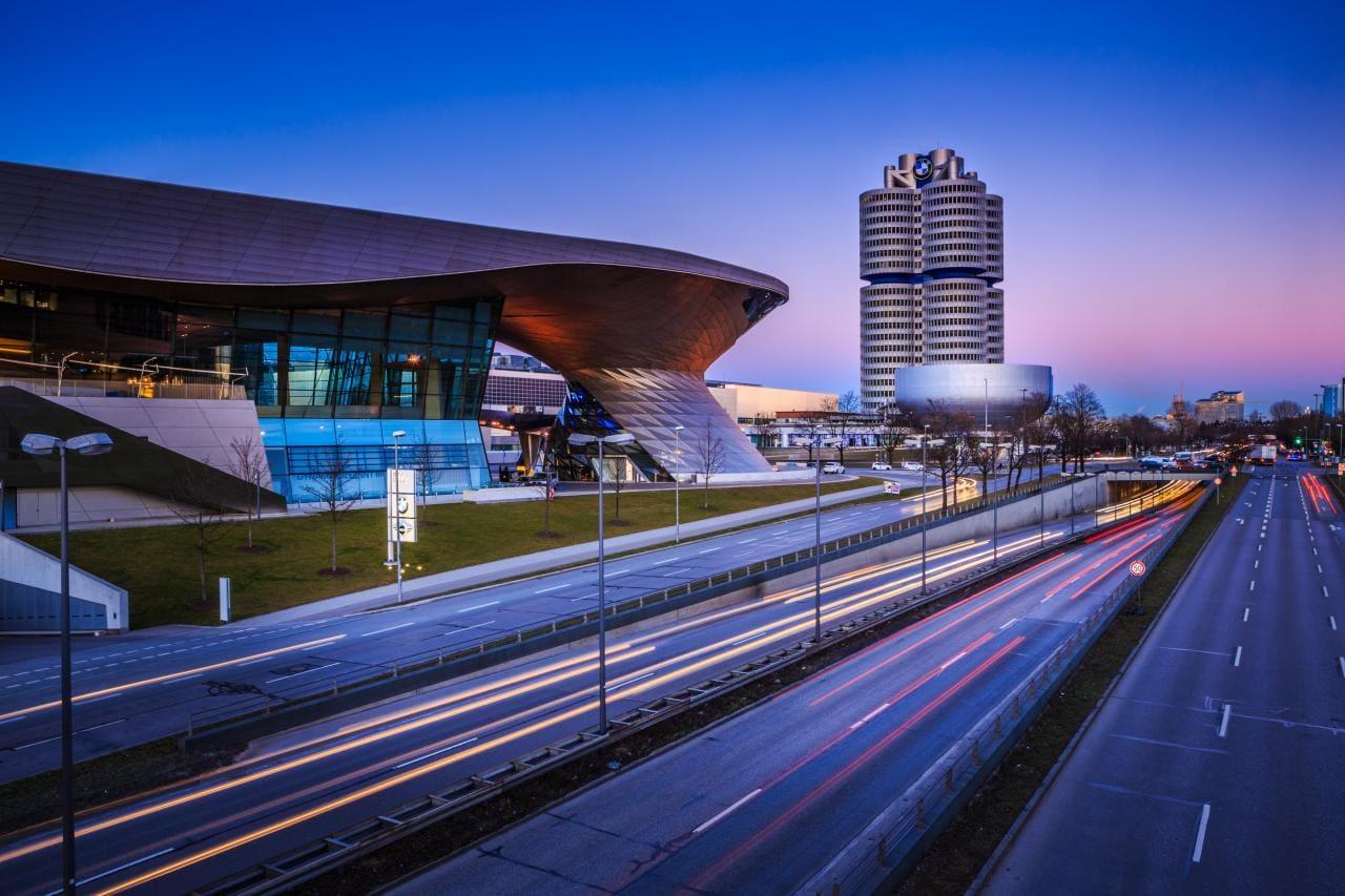 Verbrenner: Daimler will schneller aussteigen als BMW