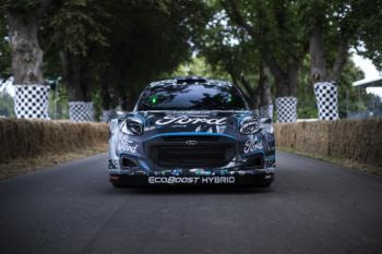 Ford stellt WRC-Rallye-Auto mit Plug-in-Antrieb vor