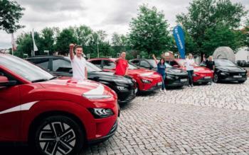 Hyundai KONA elektrisiert Coca-Cola Fahrzeugflotte