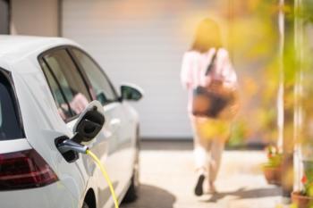 Speicher ermöglichen mehr als 80 Prozent eigenen Solarstrom im E-Auto