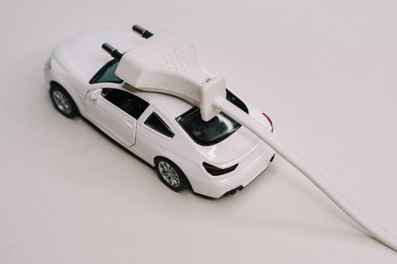 Europa: PHEV haben weiterhin die Nase vorn; E-Autos holen auf. Schnell...
