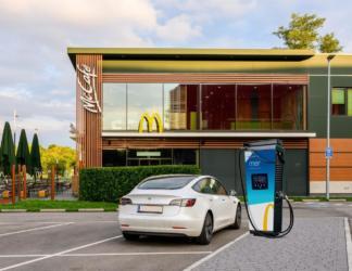 McDonald's Österreich startet Ladesäulen-Offensive