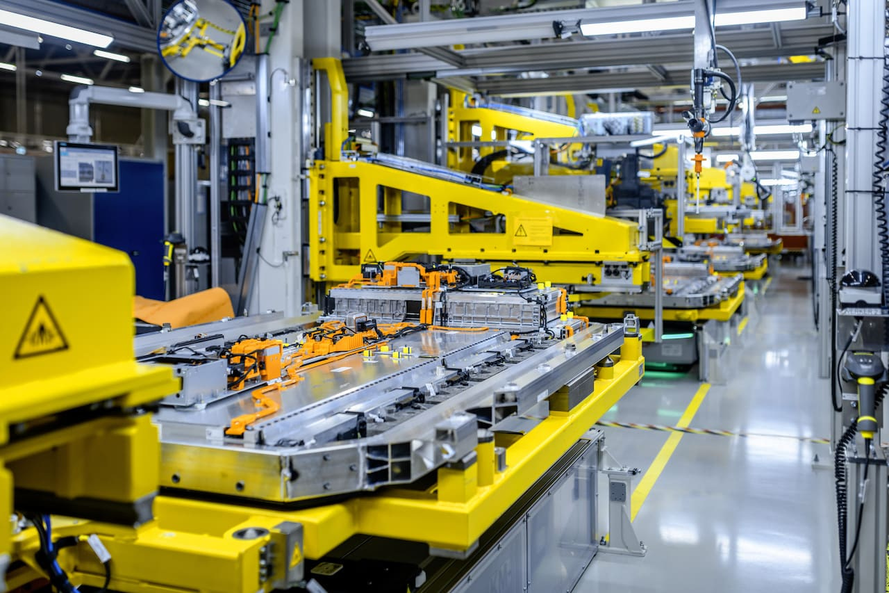 Mercedes-Benz-Grob-Werke-Elektroauto-Batterie