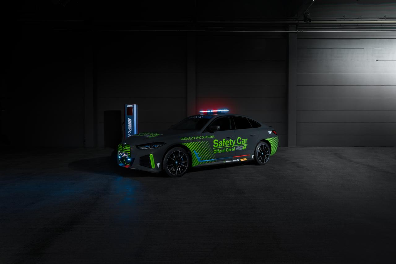 BMW i4 M50 wird Safety-Car bei E-Motorrad-WM