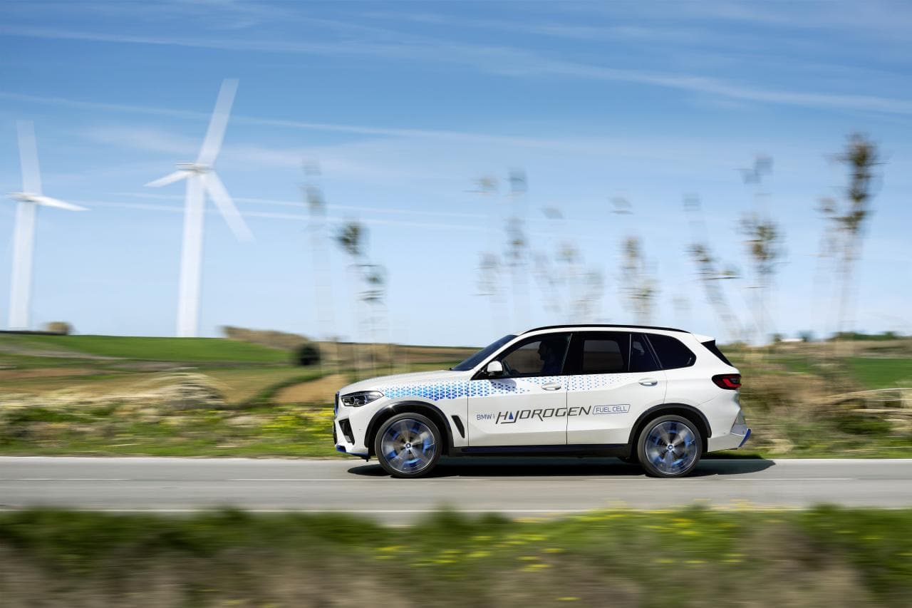 IAA: BMW zeigt Wasserstoff-Auto iX5 Hydrogen