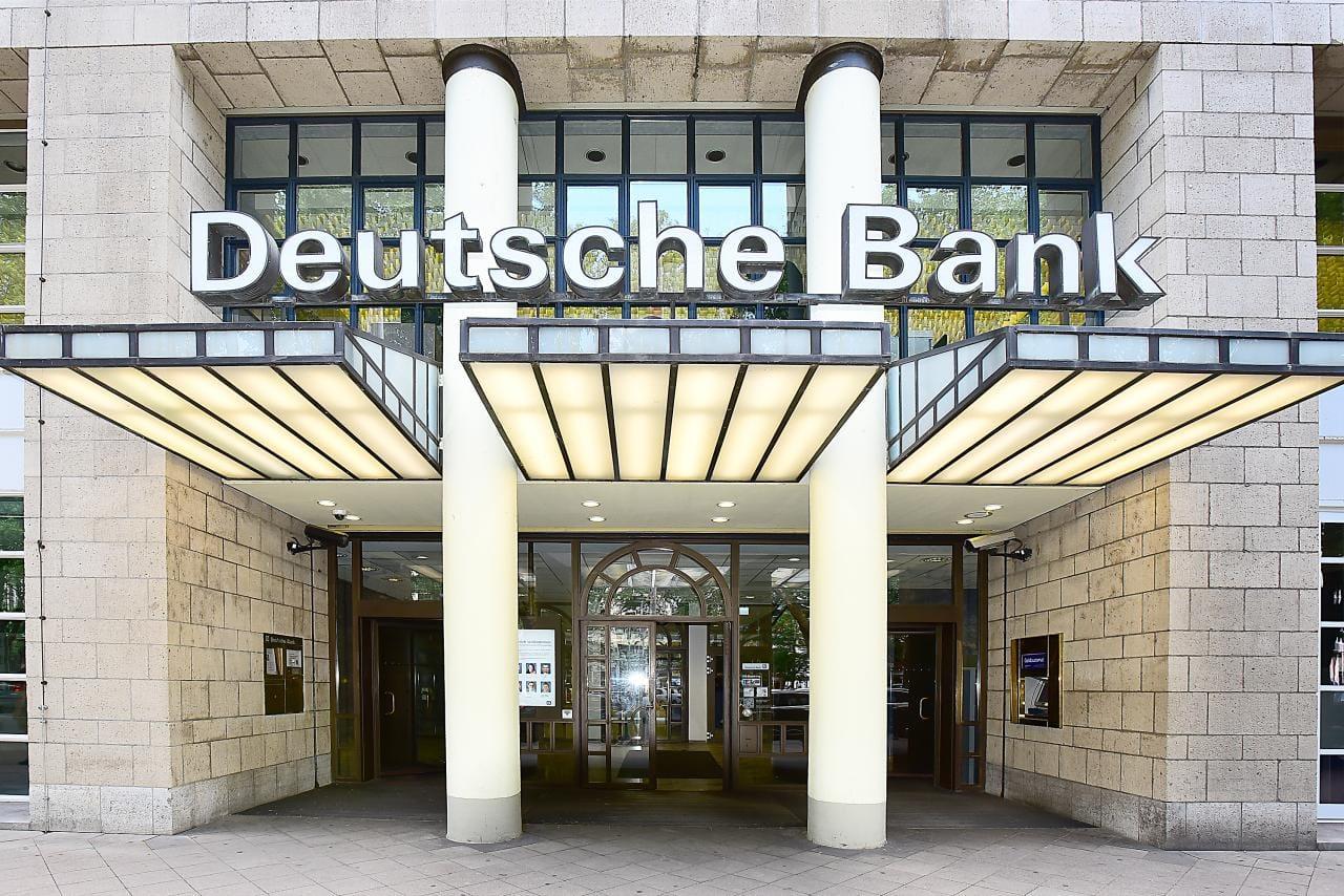 Deutsche Bank: E-Mobilität vom Staat teuer erkauft