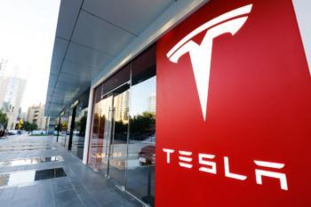 Absatz von Tesla bricht im Juli um mehr als zwei Drittel ein - im größten Automarkt