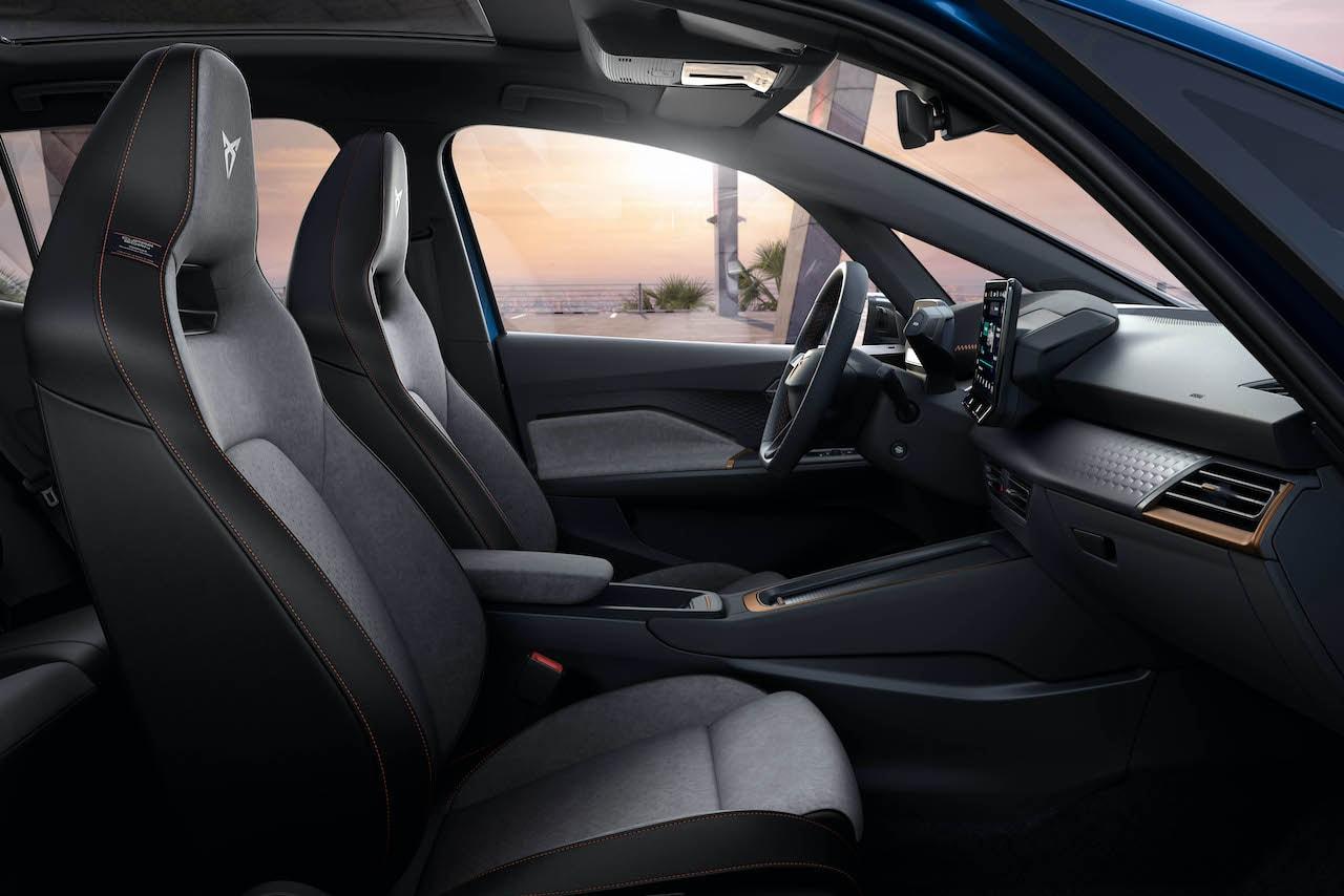 Elektroauto-Cupra-Born-Cockpit-Sitze