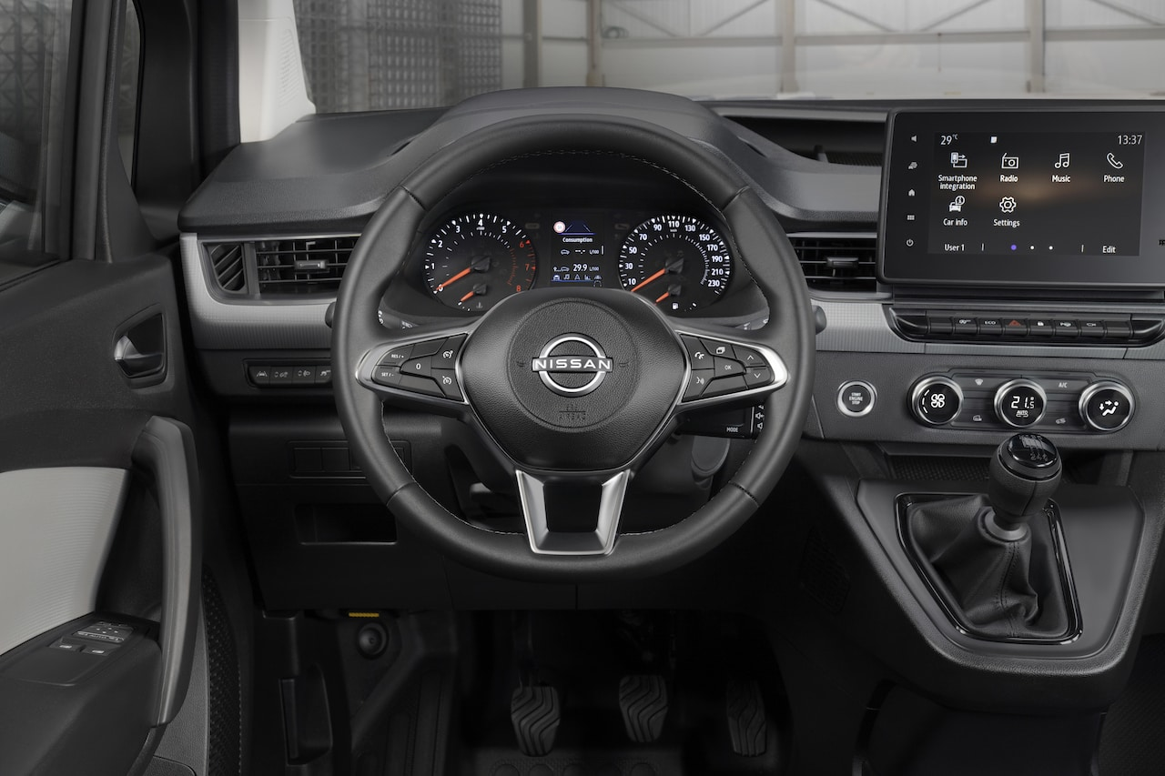 Nissan-Elektroauto-Nutzfahrzeug-Townstar-Cockpit