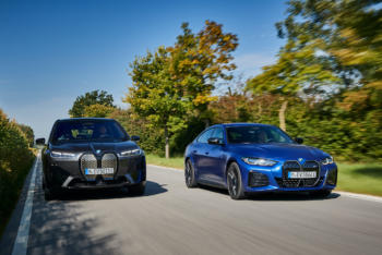 BMW: Günstigere KFZ-Versicherung für iX und i4 dank Fahrassistenten
